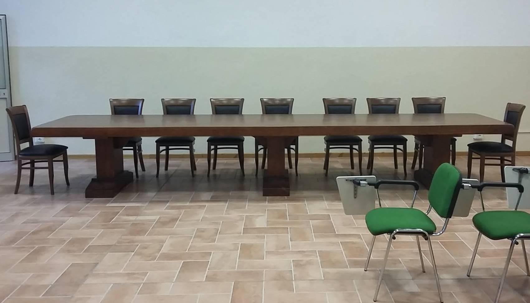 tavolo sala consigliare Roma ESCAPE='HTML'