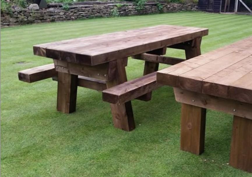 Costruire Un Tavolo Da Giardino In Legno.Tavoli Da Giardino In Legno