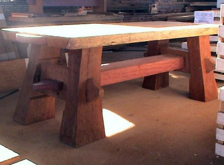 Tavoli da giardino rustici tavoli rustici da giardino for Tavoli da giardino in legno rustici