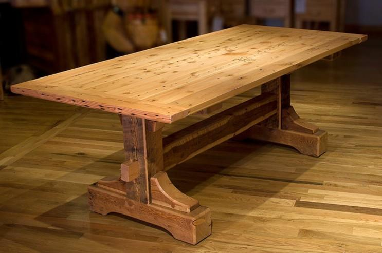 Tavoli in legno massello per taverna